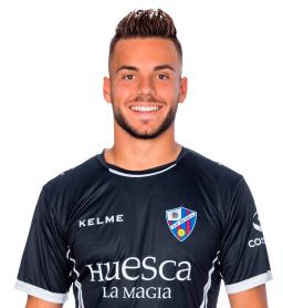 Álvaro Fernández es uno de los jugadores del Huesca 2020-2021